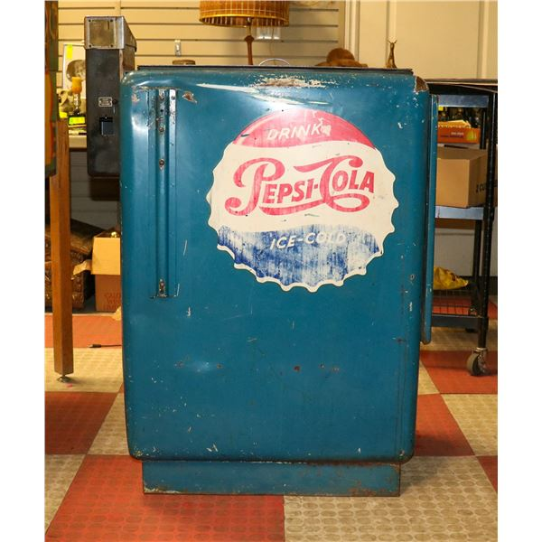 1960S PEPSI COOLER WITH RARE HIRES LOGO AND BTL