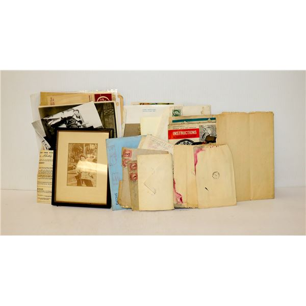 SELECTION OF VINTAGE PHOTOS AND LETTERS