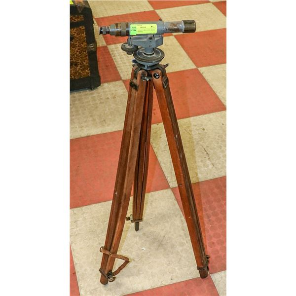 ANTIQUE SURVEYORS LEVEL WITH WOODEN TRIPOD