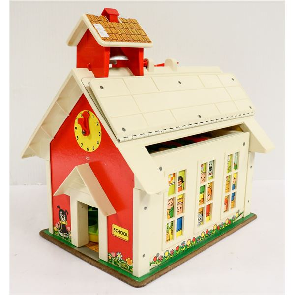 1970S FISHER PRICE LITTLE PEOPLE SCHOOL HOUSE