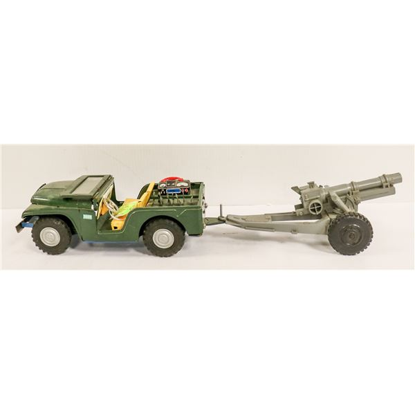 LARGE 1950S JAPANESE TIN ARMY JEEP WITH FIRING