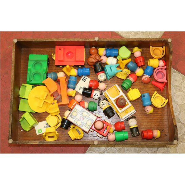 TRAY LOT VINTAGE FISHER PRICE LITTLE PEOPLE