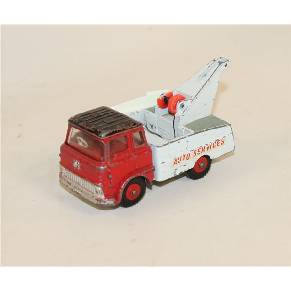 DINKY TOYS CRASH TRUCK TOW TRUCK