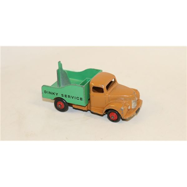 DINKY TOYS COMMER TRUCK