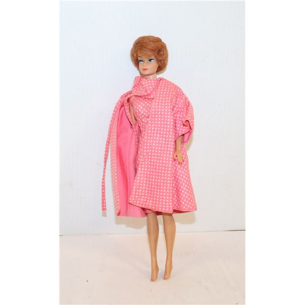 1960S BARBIE WITH MULTIPLE OUTFITS