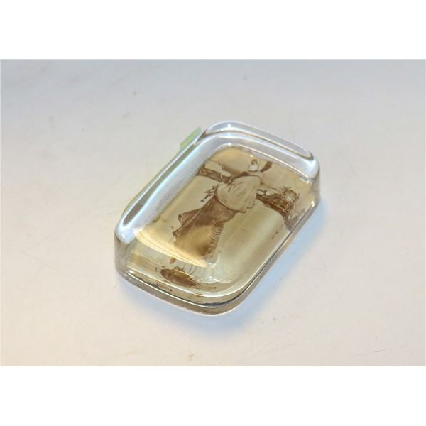 VICTORIAN PHOTO GLASS PAPER WEIGHT