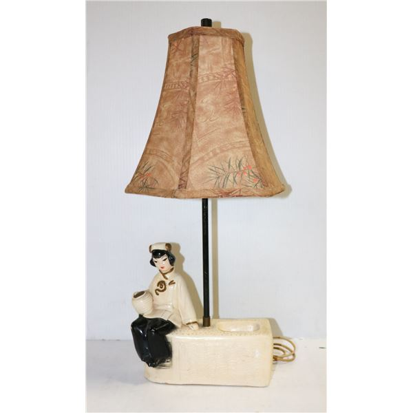 1950s ASIAN CHALK WARE LAMP WITH SHADE WORKING