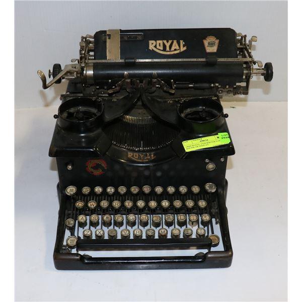 1900S ROYAL TYPEWRITER FOR REPAIR OR DISPLAY