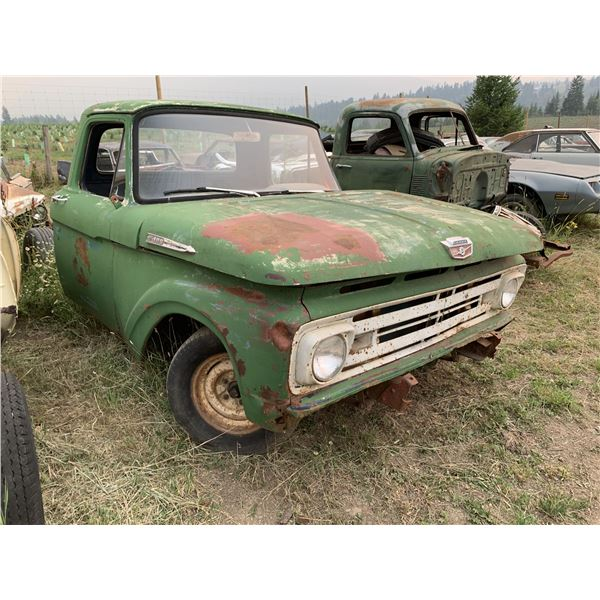 1961 Ford F-100 - no box, was long box, shortened chassis, 9'' rear end