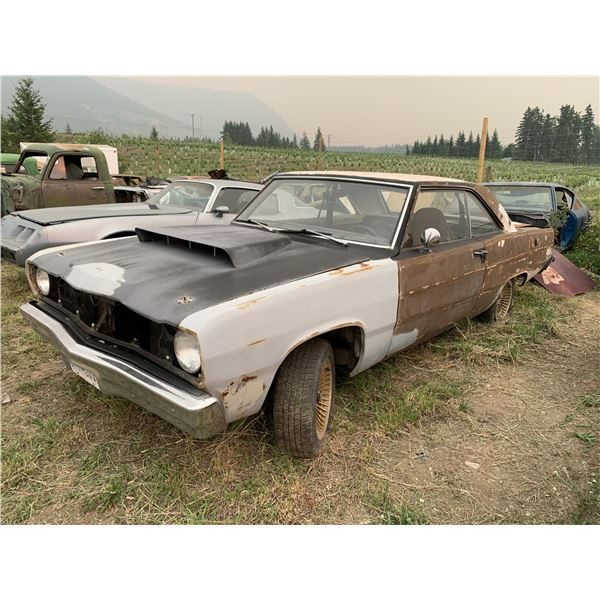 1974 Plymouth Scamp - was factory sunroof, shell, decent body, 7 1/4 diff