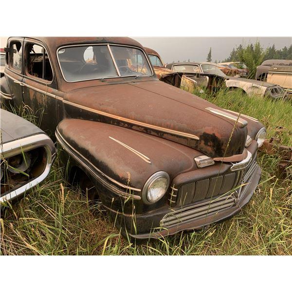1946 Mercury sedan - 4 dr, parts car
