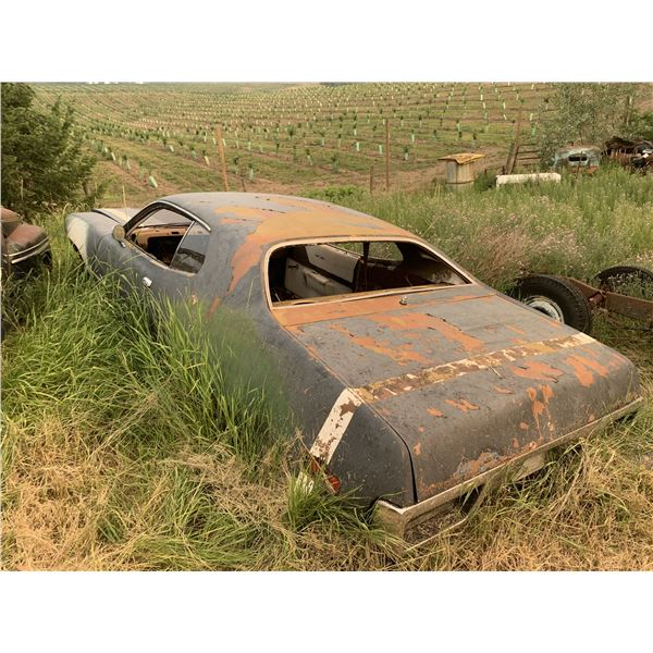 1971 Plymouth Satellite - shell, has good 72 rear bumper, and taillights, parts car