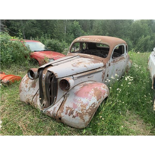 1938 Plymouth Coupe - super solid body, some dents, ford diff