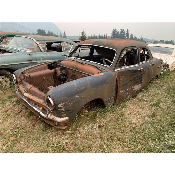 1952(?) Ford - parts car