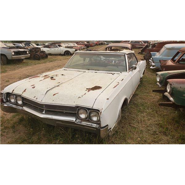 1966/7 Oldsmobile Cutlass Convertible - parts or restore