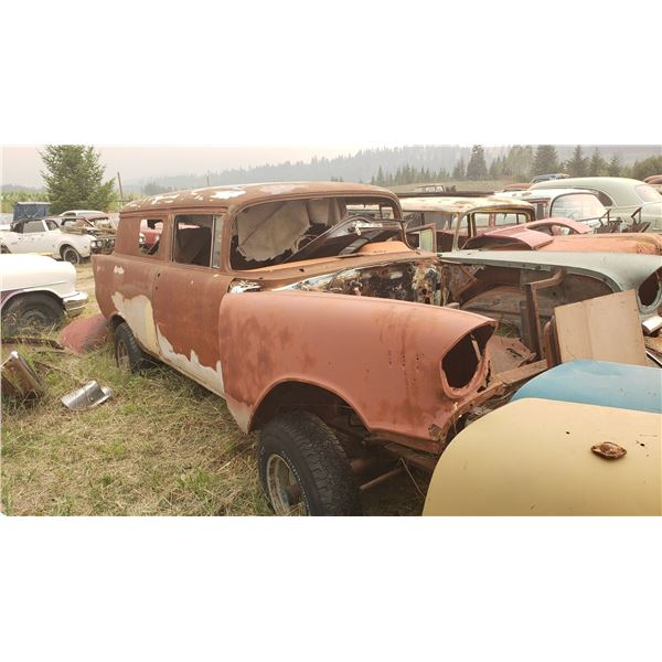 1957 Chevy Sedan Delivery - mounted on 4x4 chassis, usual rust