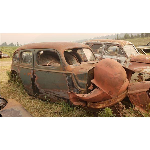 1940 Packard - 4dr shell