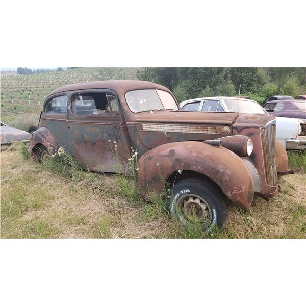 1940 Packard - 2dr Sedan