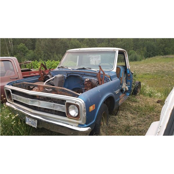 1969/70 Chevy Truck - parts