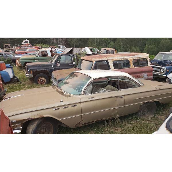 1961 Buick Invicta - 2dr hardtop, bubbletop, rough but complete