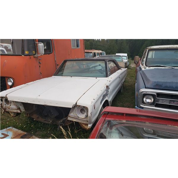 1966 Plymouth Satellite - 2dr hardtop, good for aprts, buckets, console, interior
