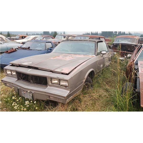 1980 Chevy Monte Carlo - Parts or restore, no motor