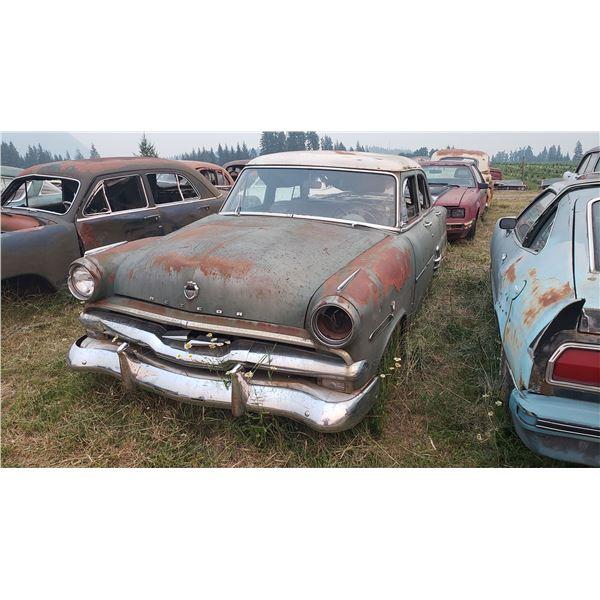 1951-2 Ford - parts car