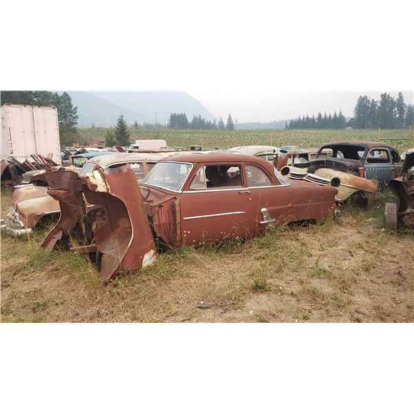 1953 Ford Coupe - no front clip