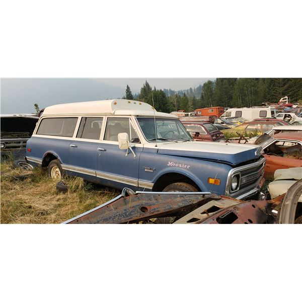 1968 Chevy Suburban - was ambulance, no motor