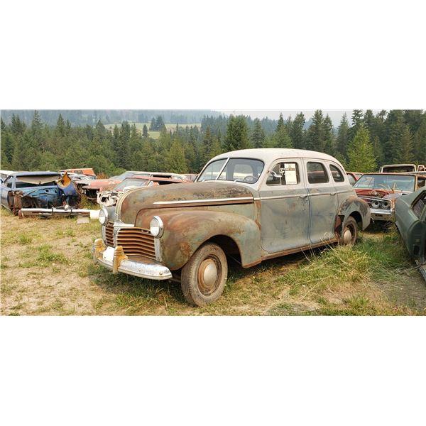 1942 Pontiac - exellent body, 4dr