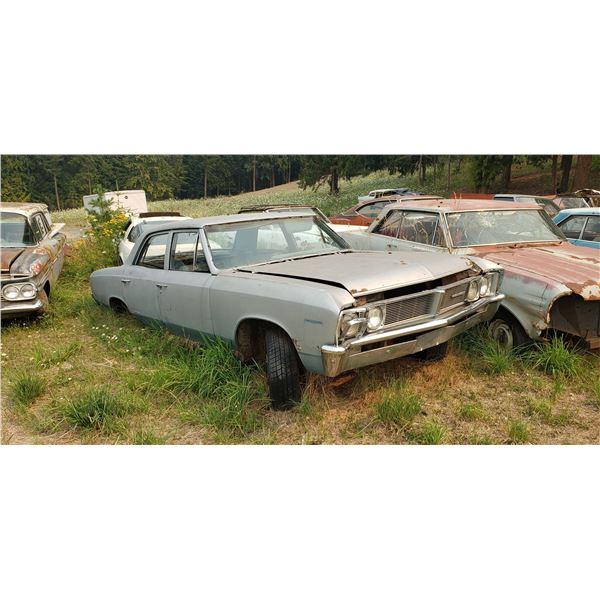 1967 Pontiac Beaumont 4dr - good body, parts of restore