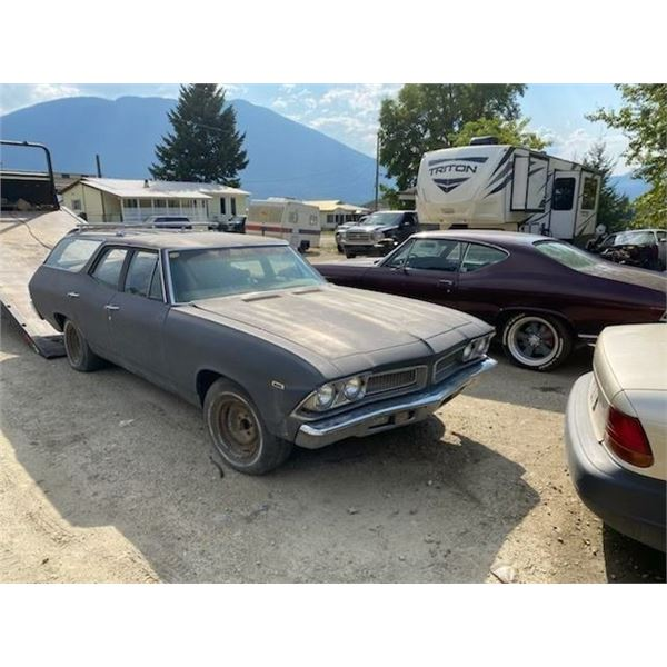 1971 Chevrolet chevelle Waggon minimal rust issues.vehicle runs