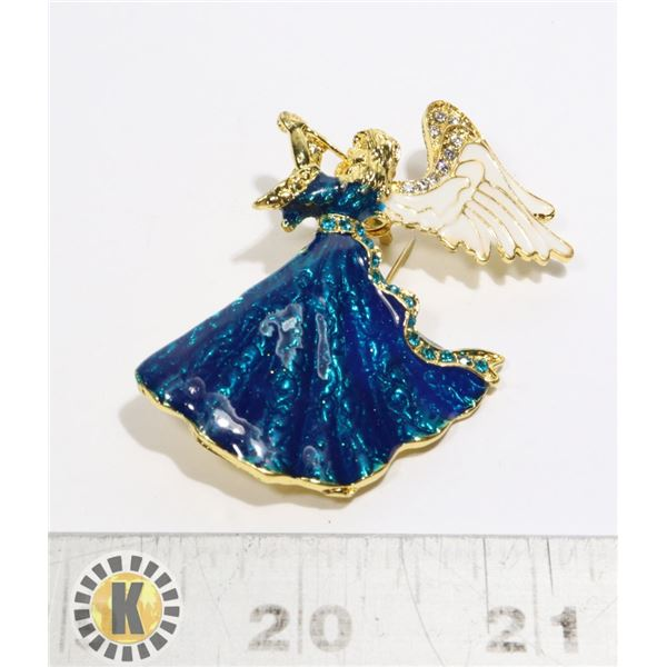 17)  GOLD TONE WITH WHITE & IRIDESCENT BLUE