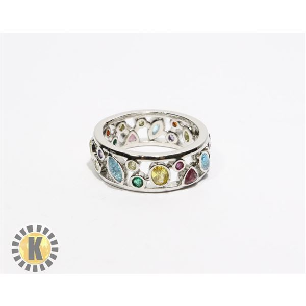 13)  SILVER TONE BAND STYLE RING WITH LAB