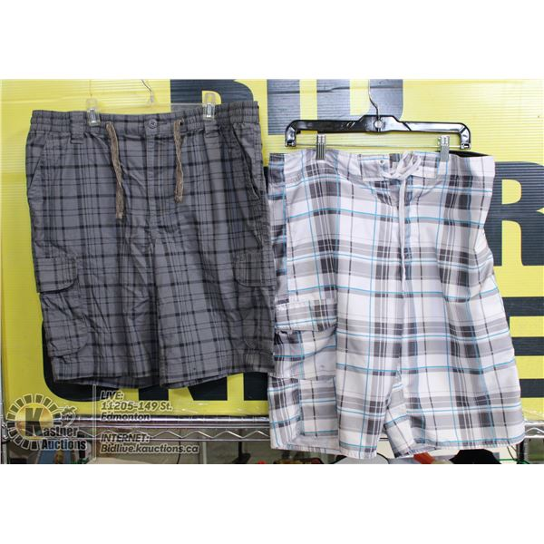 2 PAIRS OF SHORTS SIZE M GREY AND WHITE PLAID