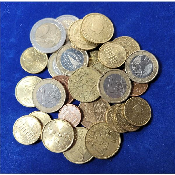 8)  LOT OF 28 EUROPEAN ASSORTED COINS.