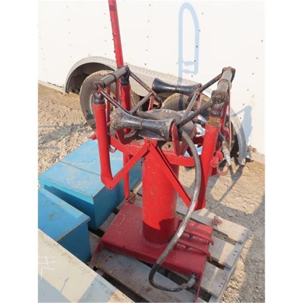 Air Operated Tire Spreader Machine