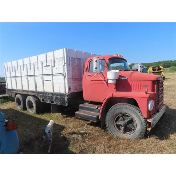 1965 Dodge 700 Gas 20 Speed w 18' Box&Hoist Tag Axle 132,000 Miles S# TZK2971380 -Not Running From S