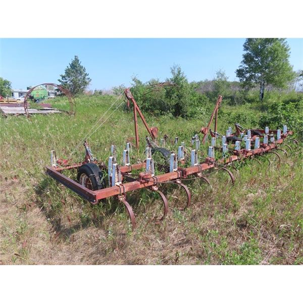 Int 20' Cultivator -For Parts or Fix Up