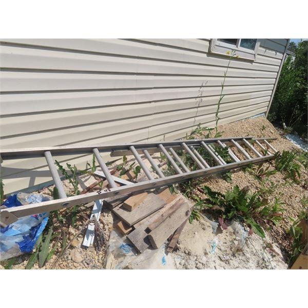 Aluminum Extension Ladder, 2 Aluminum Step Ladders