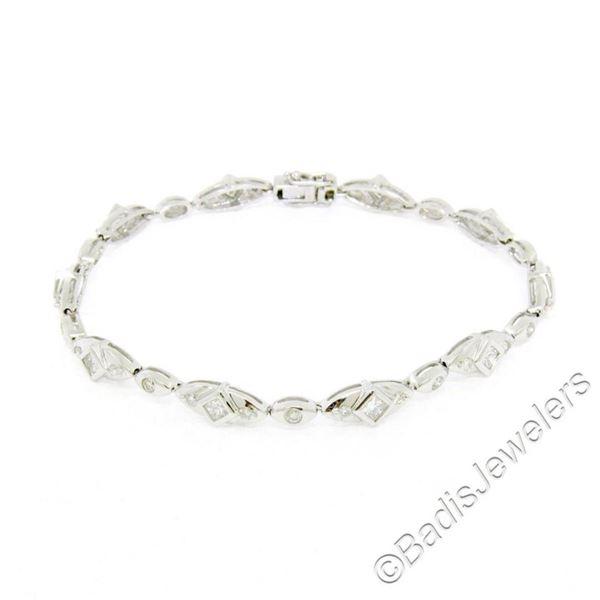 18kt White Gold 1.80 ctw Princess and Round Cut Diamond Fancy Link Chain Bracele