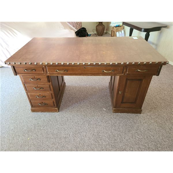 Large Desk with Leather Top Cat C