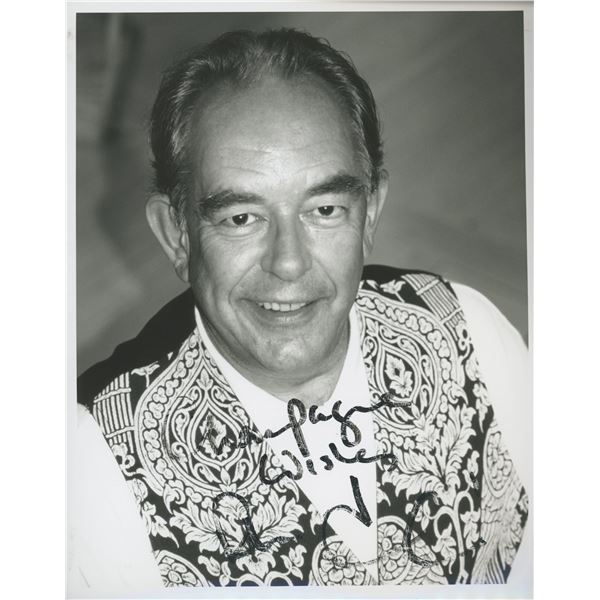 Robin Leach signed photo