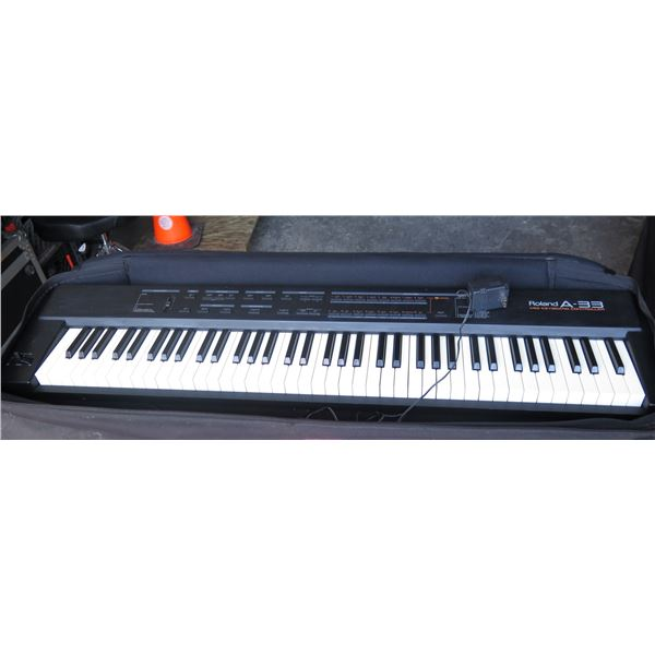 Roland A33 Midi Controller (Turns on, but not tested. Need MIDI to test)