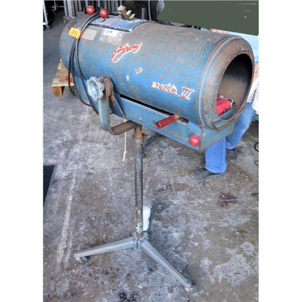 Strong Trouperette III - 1000 watt Follow Spotlight, 1000 Watts w/ Spare Lamp