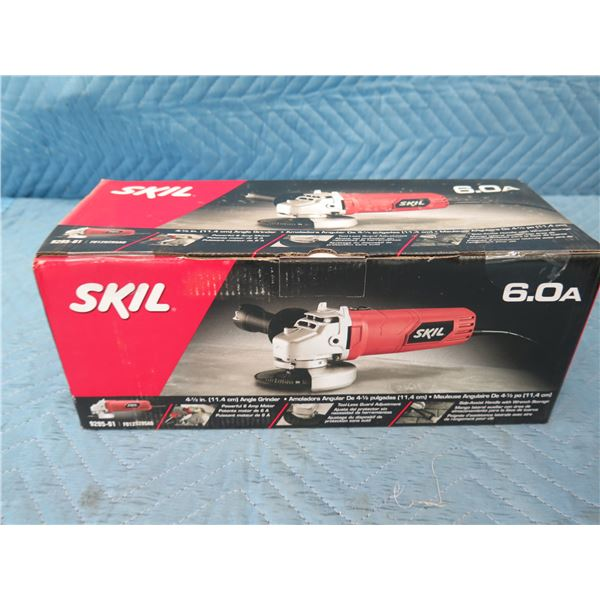 """Skil 9295-01 Angle Grinder 4-1/2"""" New in Box"""
