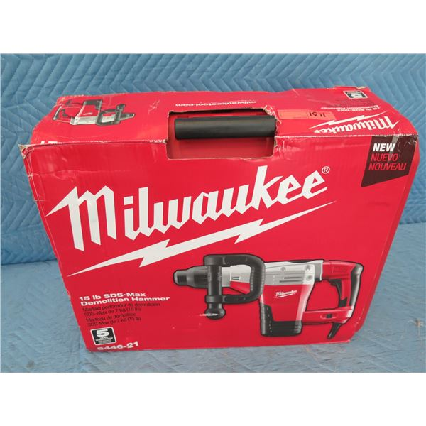 Milwaukee 5446-21  SDS-Max 15lx Demolition Hammer New in Box