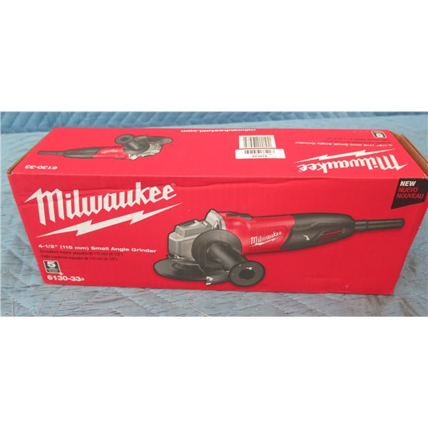 """Milwaukee 6130-33 Small Angle Grinder 4-1/2"""" New in Box"""