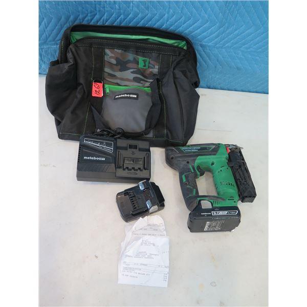 Hitachi NP18DSAL Micro Pin Nailer Kit 18V w/ Carry Case  (Returned Item)
