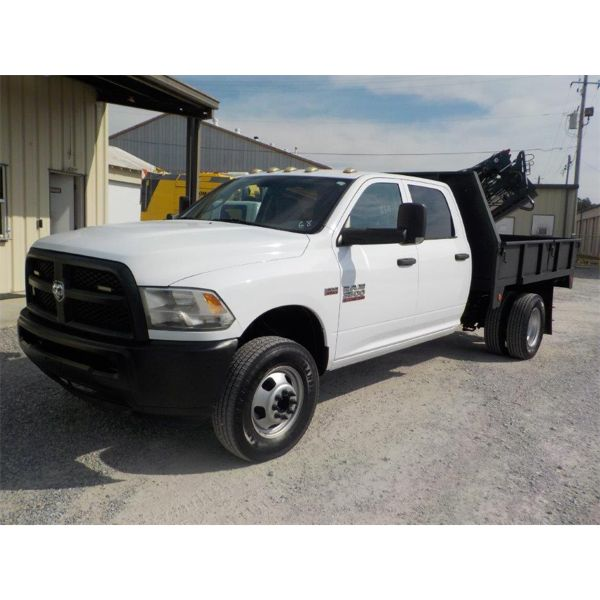 2014 RAM 3500 HEAVY DUTY Flatbed Truck